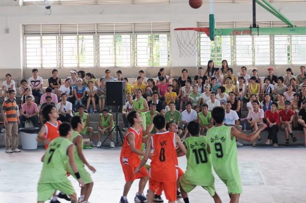 东莞市厚街 嘉华大酒店团支部举办员工篮球赛高清图片