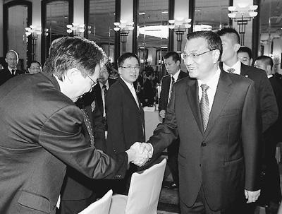 为了解香港市民生活,李克强特意前来探望
