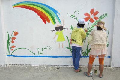 """东坑:""""我的青春梦想""""主题涂鸦活动"""