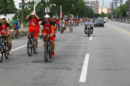 中堂/中堂:2013年中堂镇大学生暑期实践全民健身日单车骑行活动